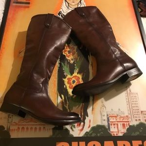 FRYE Boots NWOB Size 7 1/2 B Frye Pull-on boots